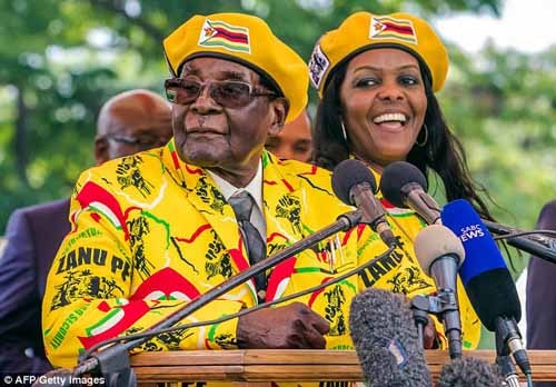 Former Zimbabwe President, Robert Mugabe pictured with then first lady, Grace Mugabe.