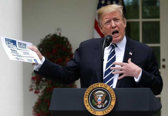 U.S. President Donald Trump speaks about the investigation by Special Counsel Robert Mueller in the Rose Garden at the White House in Washington, U.S., May 22, 2019. REUTERS/Leah Millis