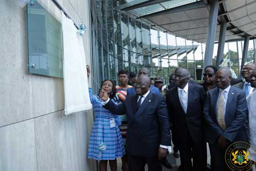 President Akufo-Addo unveiling the plaque for the new ECOBANK building.